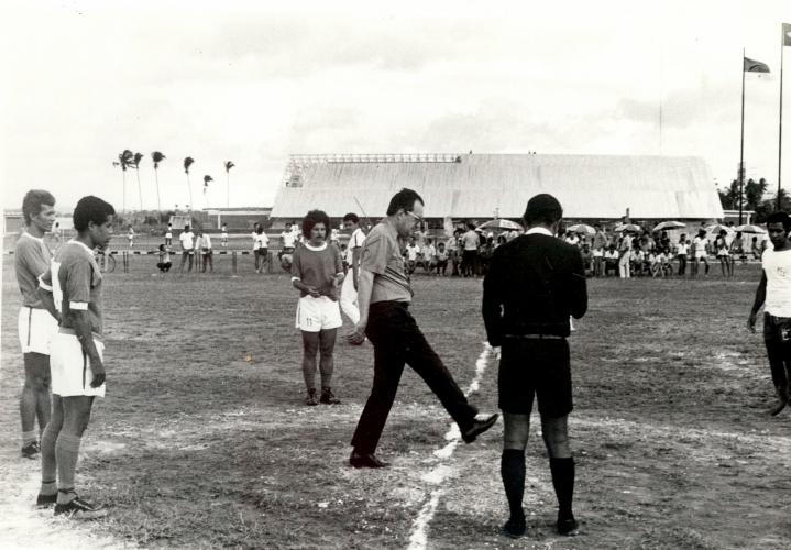 Primeira partida no 28º torneio de futebol no Centro Esportivo da UFPE em 1974.