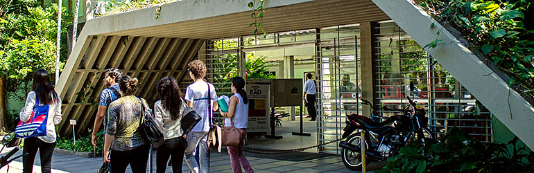 Centro de Biociências (CB)